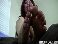 Cool erotic category feet (490 sec). My perfect feet need to be worshiped daily.