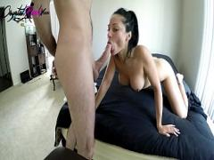 18+ seductive video category sexy (624 sec). Boyfriend Facefuck Hot Babe in the Morning - Homemade.